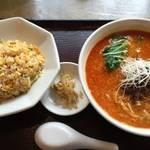 伏見桃山 昔ながらの正統派「中国料理くれたけ」の担担麺が美味しい【中華】