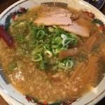 伏見・油小路通 黒潮ラーメンの看板でおなじみの「スープ食道 宝」【ラーメン】