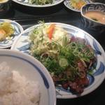 伏見桃山駅前の牛タンと干物が美味い店!「たんとと和くら」【グルメ】