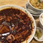 やる気満々の本気の麻婆豆腐!北白川に人気四川料理店「(らくだ)」【四川料理】