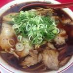 伏見 ケンミンSHOWでも特集された黒っぽいスープが美味しい「新福菜館」【ラーメン】