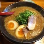 伏見横大路 キムチ無料でスープがどろっどろの「弁慶ラーメン 本店」【ラーメン】