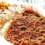 北区 新進気鋭のオシャレなカレー専門店 「Curry&Cafe ジュナイナ」【カレー】