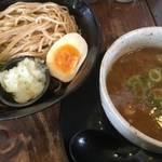 伏見の人気店!蕎麦のような自家製麺が抜群にうまい!「麺心 よし田」【つけ麺】【ラーメン】