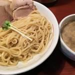 深草 月曜日のお昼だけ!特製つけ麺を提供中! 「MONDAY 頑固麺」【ラーメン】