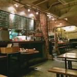 三条御幸町  雰囲気のある店内が素敵!「アンデパンダン」 【カフェ】