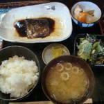 烏丸御池 「両川」の三日煮込んだ真っ黒な鯖煮定食!【ランチ】