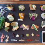 四条烏丸 「AWOMB(アウーム)」 目からおいしい、センスあふれる、手織り寿司☆