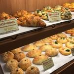 嵐山特集68 レストラン嵐山内にある本格パン屋「Panetteria(パネッテリア )ヒューメ」【焼きたて】