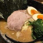 今出川駅前「麺屋 あくた川」 本場家系の味、同志社大学前に堂々オープン!