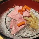 【行かなきゃ損!】 「鴨川たかし」 コスパ抜群!完熟近江牛の絶品炭火焼御膳。すき焼きもあり!