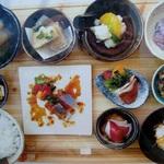 神宮丸太町 日本酒食堂でいただく、一汁八菜ランチ☆ 「クウカイ」【ランチ】