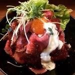 そのビジュアルにノックアウト寸前!京都の「ローストビーフ丼」が美味しいお店まとめ【保存版】