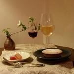 京町屋のギャラリーでお菓子とワインの会を開催!今回のテーマは「フランス」です!
