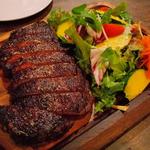 熟成肉をかみしめる!国産牛&ワインにこだわるバル「シトロン ブレ」