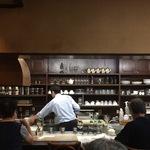【京都下鴨神社スグ】常連さんでにぎわうモーニング!サイフォン式コーヒー香る☆カフェ「ウッディタウン」