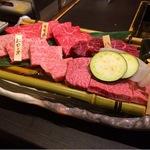 お肉はすべて黒毛和牛・国産牛!希少部位が売りの精肉店直営「焼肉もりたけ」松尾大社すぐ!