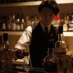 話題の京都醸造ビールも飲める!ボトルが壁の様に並ぶ伏見の本格バー「ラグワゴン」