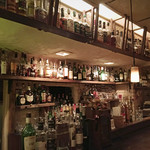 しっとりとしたオトナの隠れ家バー!生演奏を楽しめる日も!伏見桃山からスグ「バー・シルバームーン」