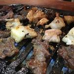 【コスパよし!】路地裏の気取らないカウンター焼肉店!伏見桃山の「京都あぶり屋へ」