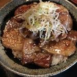 豚丼、トンテキ、トンカツ、豚三昧で迷います!「我豚(わがぶた)」@大宮仏光寺の巻っす