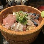 桶盛りの海鮮丼も煮物も美味しい!創作居酒屋「喜楽亭」@烏丸丸太町の巻っす