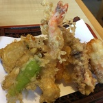 魅惑の800円均一!ボリューム満点のサクサク天ぷら定食が美味い!龍大生御用達の「天ぷら 天えい」