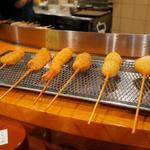 1本50円~!京都人なら誰もが食べたことのある串カツ!美味い!安い!楽しい!「串八 四条烏丸店」