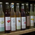 住宅街に佇む日本一小さい酒造メーカー!果実をたっぷり使った果実酒が人気!「フルーツリキュールフリークス」
