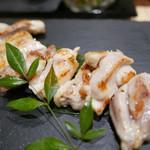 朝引きの新鮮な京赤地鶏にこだわったお店☆盛り付けも美しくてテンション上がります!「鶏コロール」