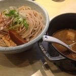 まさに京つけ麺!濃厚な魚介豚骨なのに際立つ上品さ!飲食激戦区の烏丸御池にある「麺や高倉二条」