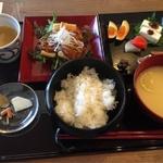 テレビでも話題の手の込んだ発酵料理を定食で「発酵食堂カモシカ」@嵯峨嵐山の巻っす