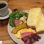 【京都東福寺スグ】紅葉観光前にコスパよすぎの和みカフェモーニング!「パンとコーヒーとひらりんと」