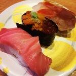 京都にいながら本場金沢式回転寿司!北陸ならではな豊富な寿司ネタが大人気☆「もりもり寿し」【京都久御山】