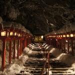 【雪の京都】幻想的すぎる積雪日限定のレアなライトアップ「貴船神社」