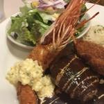 地元の愛され洋食店!「街の洋食屋 AKIRA(アキラ)」@長岡京の巻っす