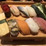 ランチの寿司セットは880円から!北の素材にこだわったお寿司を「函館市場 京都十条駅」