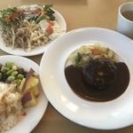 京大は学食も偏差値高し!選べるメインとサラダビュッフェがうれしい!「カフェレストランきはだ」