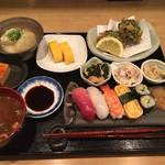 900円の寿司とおばんざいのお得ランチ!「すしと酒 手水や(ちょうずや)」@柳馬場蛸薬師の路地奥の巻っす