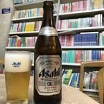 本屋なのにディープ立ち飲み!その雰囲気にどハマリする人続出!京都駅近くの「遠藤書店」