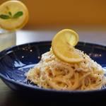 レモン好きにはたまらない!後味サッパリのレモン料理とお酒が楽しめます☆「カプリ食堂」