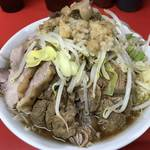 デカ盛り、ガッツリの代名詞「ラーメン二郎 京都店」一乗寺から目が離せません!