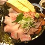 厚切り刺身の海鮮丼は980円!関西初出店の豪快な海鮮居酒屋「炉端かば」