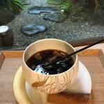 北白川 癒しの白  器とカフェ「SIONE(シオネ)銀閣寺本店」