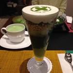並んでも食べたい京都を代表する抹茶パフェ|中村藤吉 京都駅店【京都駅カフェ】