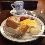 ニューヨーカーも驚くなかれ!京都老舗喫茶のアメリカナイズなモーニング「高木珈琲店 烏丸店」