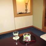【花見小路】「cafe富月(カフェフウゲツ)」で花街情緒と抹茶スイーツ