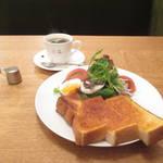 喫茶六花★拘りコーヒーにたっぷり野菜に京都の愛されモーニング【知恩院前】