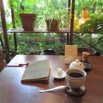 ムードたっぷり!エキゾチックなオアシスカフェ「MOLE」(モール)【京都市役所前】