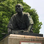 【京都】待ち合わせは「三条の土下座像で」実は土下座しているのではないんです!